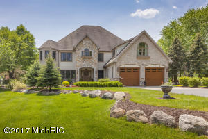 11297 E Royal Road, Canadian Lakes, MI 49346