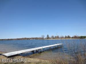 7140 Holiday Drive, Canadian Lakes, MI 49346