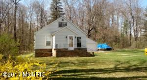 10871 Riverview Drive, Big Rapids, MI 49307
