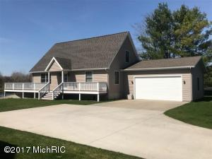 10247 105th Avenue, Canadian Lakes, MI 49346