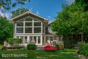 11333 Elizabeth Drive, Three Rivers, MI 49093