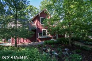 9414 Cottage Park Drive, Greenville, MI 48838