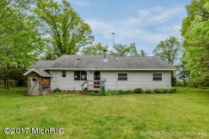 2430 Fox Ridge, Lyons, MI 48851