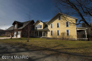 201 N 72nd Avenue, Hart, MI 49420