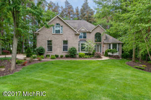 4915 Tall Pines Court, Grand Rapids, MI 49546