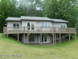 9590 Sunset Drive, Canadian Lakes, MI 49346