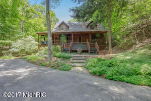17652 North Shore Estates Road, Spring Lake, MI 49456