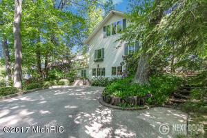 17187 Lake Avenue, West Olive, MI 49460