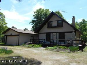 10159 Sherwood Circle, Canadian Lakes, MI 49346
