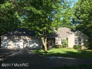 7619 95th Avenue, Canadian Lakes, MI 49346