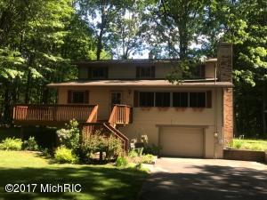 12013 St Johns Drive, Canadian Lakes, MI 49346