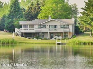 10359 Peninsula Drive, Canadian Lakes, MI 49346