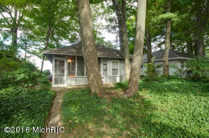 4552 Lovers Lane, Holland, MI 49423
