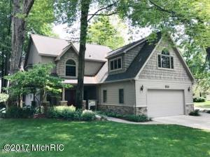 7570 Hilltop Ridge Road, Canadian Lakes, MI 49346