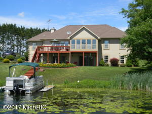 10273 105th Avenue, Canadian Lakes, MI 49346