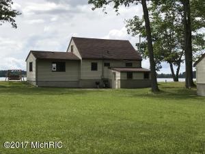 540 S Oak Drive, Lake City, MI 49651