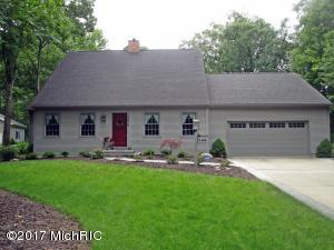 9606 Clubhouse Drive W, Canadian Lakes, MI 49346
