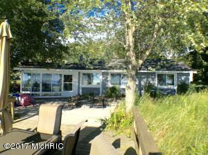 17701 North Shore Estates Road, Spring Lake, MI 49456