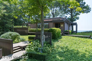 76920 14th Avenue, South Haven, MI 49090