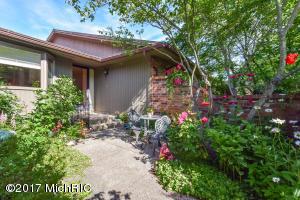 3598 Charlevoix Drive 116, Grand Rapids, MI 49546