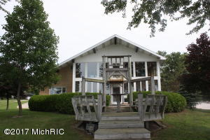 6159 Paw Paw Lake Road, Coloma, MI 49038
