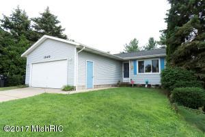 1540 40th St SW, Wyoming, MI 49509