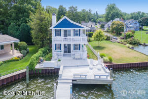 1209 Beach Drive, Holland, MI 49423