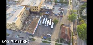 407 TURNER Avenue, Grand Rapids, MI 49504
