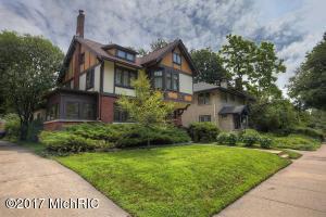 268 Morris Avenue, Grand Rapids, MI 49503