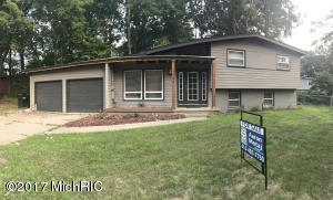 2249 Holliday Drive, Wyoming, MI 49519