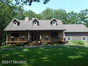 8496 Highland Trail, Canadian Lakes, MI 49346
