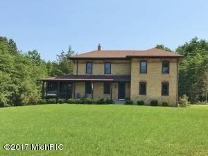 2585 Chase Farm Road, Fennville, MI 49408