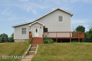 4400 Badger Road, Lyons, MI 48851