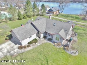 19595 Lakeshore Drive, Three Rivers, MI 49093