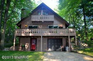 8104 Tanglewood Trail, Canadian Lakes, MI 49346