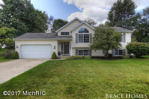 1658 CRESTON Drive Grand Rapids Home Listings - Mark Brace Real Estate Homes Condos Property For Sale