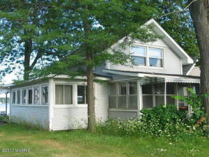 2757 Round Lake Highway, Manitou Beach, MI 49253