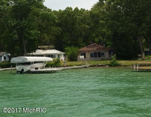742 E Gull Lake Drive, Augusta, MI 49012