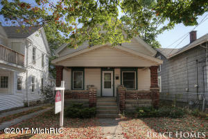 1106 Muskegon Avenue Grand Rapids Home Listings - Mark Brace Real Estate Homes Condos Property For Sale