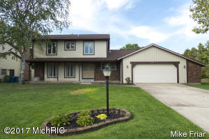 2075 Waterbury Drive SE, Kentwood, MI 49508