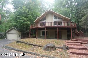 9530 Golf Port N, Canadian Lakes, MI 49346