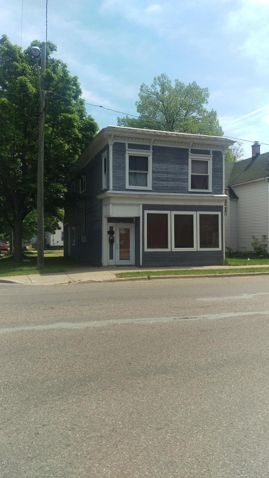 1058 Alpine NW, Grand Rapids, MI 49504