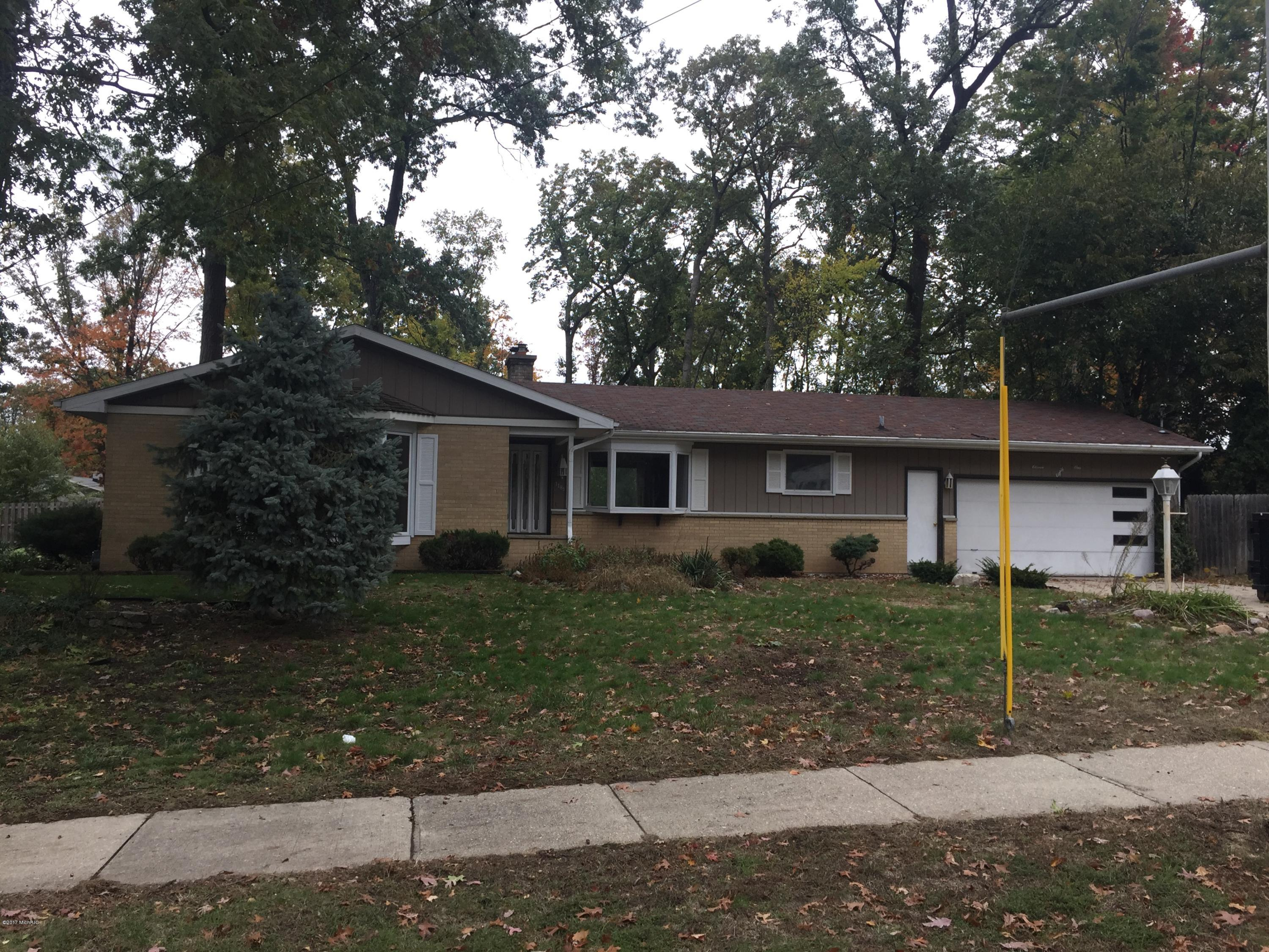 1181 48th Street SE, Kentwood, MI 49508