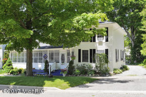 236 Mary Street, Saugatuck, MI 49453