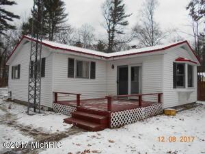 5430 E Oak Drive, Newaygo, MI 49337
