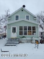 Nice income property ready for a new owner , This property offer a 5 year old roof, newer windows.