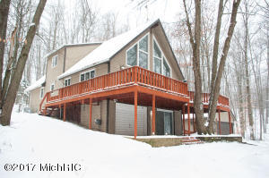 10306 Medicine Bow Trail, Canadian Lakes, MI 49346