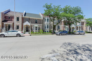 252 W Clay Avenue 16, Muskegon, MI 49440
