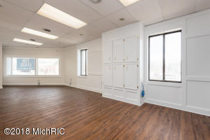 Unit 4 showroom/front room