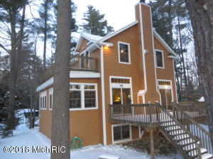 6832 E Carrigan Drive, Newaygo, MI 49337